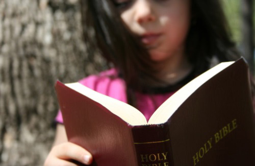 kids-reading-bible1